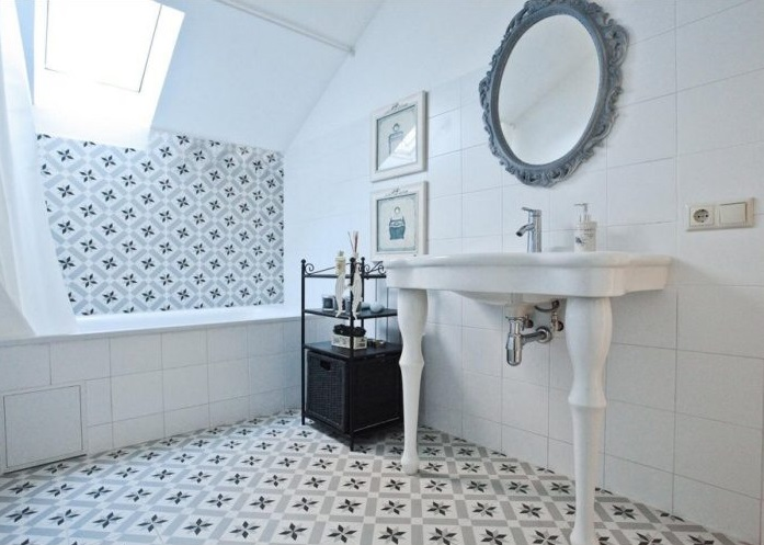 Плитка на пол в ванной комнате: выбираем и укладываем